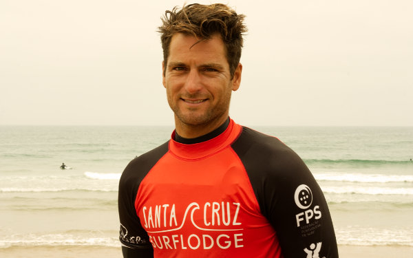 bernardo surf coach portugal surfcamp
