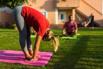 surfcamp portugal expert yoga instructor